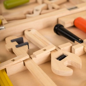 Personalised-Childrens-Wooden-Toy-Tool-Set-and-Case_b